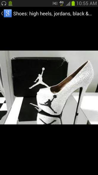 shoes queen bee jordans
