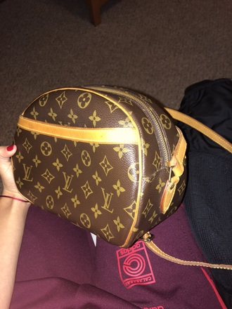 bag louis vuitton brown leather signature