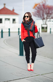 dress corilynn,blogger,scarf,sweater,shoes,bag,make-up,handbag,black pants,red sweater,red heels,high heel pumps