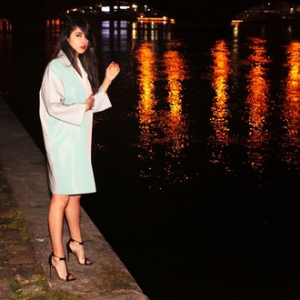 chicmuse blogger coat mint black sandals