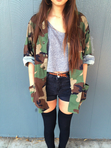 jacket camouflage shirt camouflage vintage camouflage military style army green jacket tumblr hipster tank top shorts oversized jacket crop tops grey High waisted shorts black black socks thigh highs knee high socks underwear tights t-shirt socks vintage camouflage jacket skirt army green jacket war grey t-shirt overknee socks brown belt belt scarf camo jacket camouflage coat cute big buttons long green blouse militar fashion top