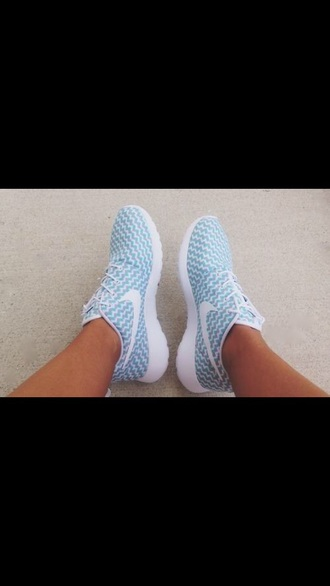 shoes chevron blue shoes roshe runs nike running shoes nike roshes blue zig zag pastel sneakers nike roshe run blue and white