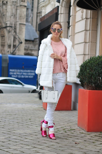from brussels with love blogger coat sweater bag shoes jeans pink sweater fur coat handbag winter outfits