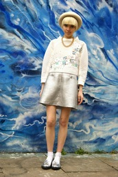 stella's wardrobe,blogger,sweater,skirt,bowler hat,metallic,silver shoes,embellished,hat,shoes