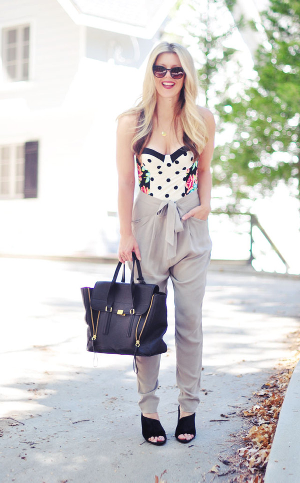 love maegan blogger sunglasses jewels bag