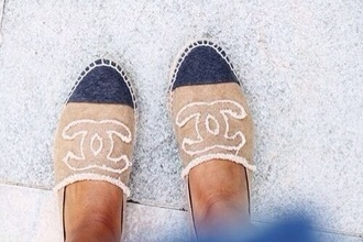 shoes flats chanel espadrilles ecru blue
