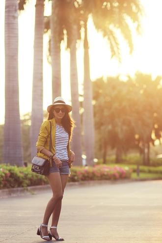 blogger bag jacket sunglasses t-shirt preppy fashionist