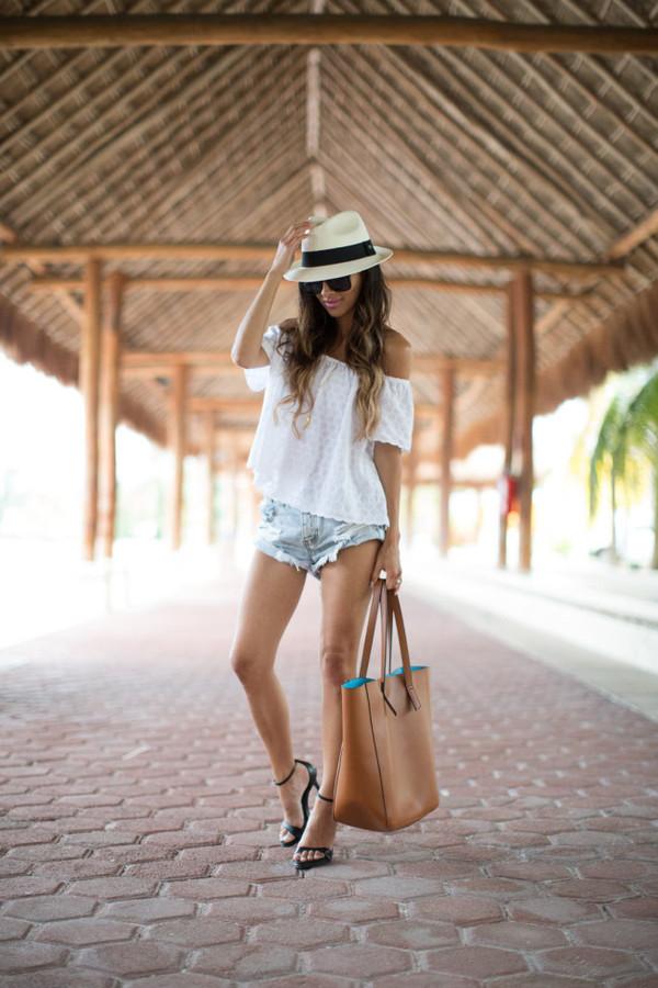 064edf7ecbeb maria vizuete mia mia mine blogger shorts top shoes sunglasses hat bag.