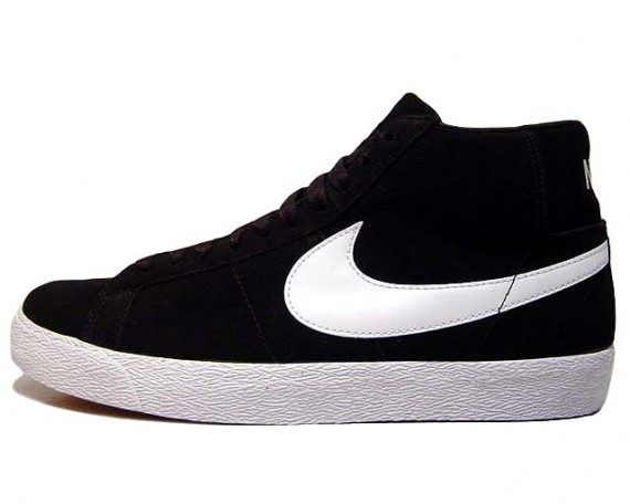 black and white nike blazers