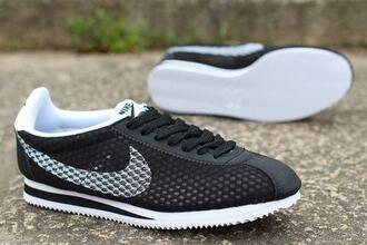 shoes nike classic cortez nylon black white nike classic cortez nylon navy blue midnighz