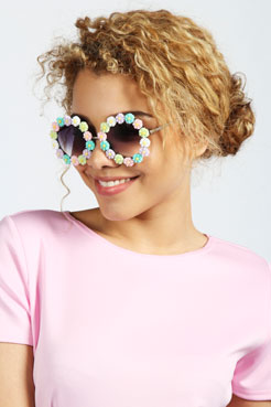 Mia Round Floral Trim Sunglasses at boohoo.com