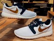 shoes,roshe runs,gold,white,black,sporty,tumblr,so fetch,trendy