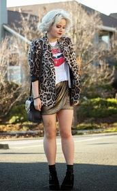 broke hell,blogger,leopard print,blazer,mini skirt,lips,satchel bag