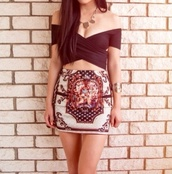 skirt,bandana print,bandana,bandana print skirt,bodycon,bodycon skirt,mini,mini skirt,dress,mini dress,pull-up skirt,white,red,blue,yellow,pink,orange,purple,vintage skirt,vintage,vintage pattern,pattern,patterned skirt,cute,tumblr,ootd,crop tops,blouse,top,t-shirt,black crop top,black top,black blouse,black bralet,bralette,open shoulder,layered crop top,jewels,accessories,watch,bracket,necklace,gold,silver,gold jewelry,gold bracelet,gold necklace,brunette,going out,fancy,black,layered,going out dress