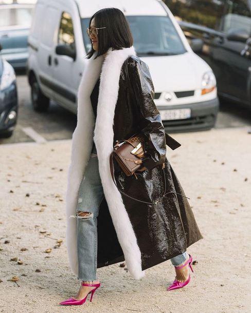 coat tumblr vinyl leather coat black coat long coat black long coat streetstyle shoes pink shoes denim jeans blue jeans sunglasses bag