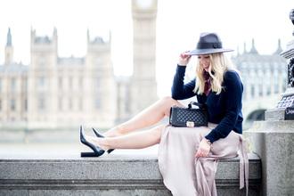 british fashion blog - mediamarmalade blogger sweater skirt shoes bag felt hat midi skirt pink skirt high heel pumps pumps black bag
