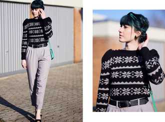 like a riot blogger grey pants christmas sweater pants sweater shoes bag
