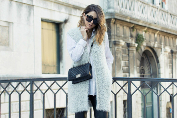 scent of obsession blogger sunglasses faux fur vest
