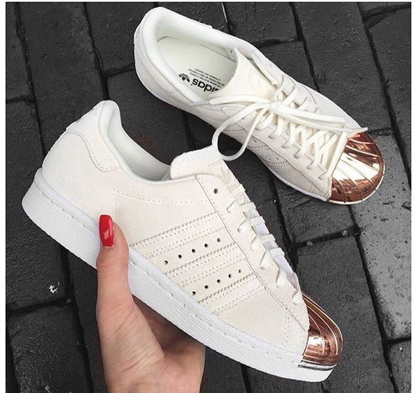 Shoes: fashion vibe, sneakers, lady addict, white, white shoes, pink,  girly, accessories, accessory, perfect, adidas, adidas shoes, adidas  superstars, ...