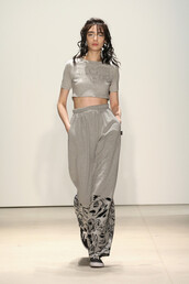 pants,top,grey,crop tops,model,runway,fashion week 2016,wide-leg pants,sweatpants,NY Fashion Week 2016
