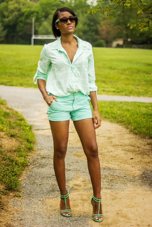 the daileigh t-shirt shorts sunglasses shoes