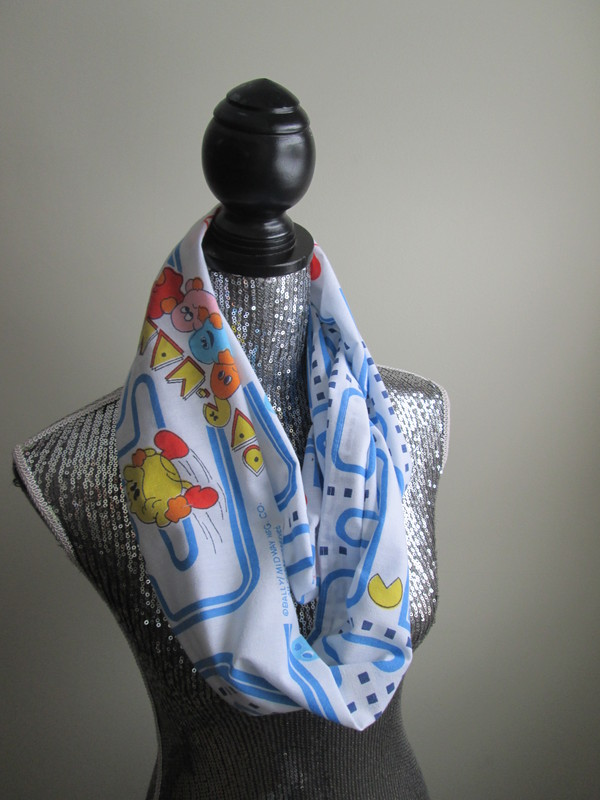 scarf pac man vintage 90s style gamer