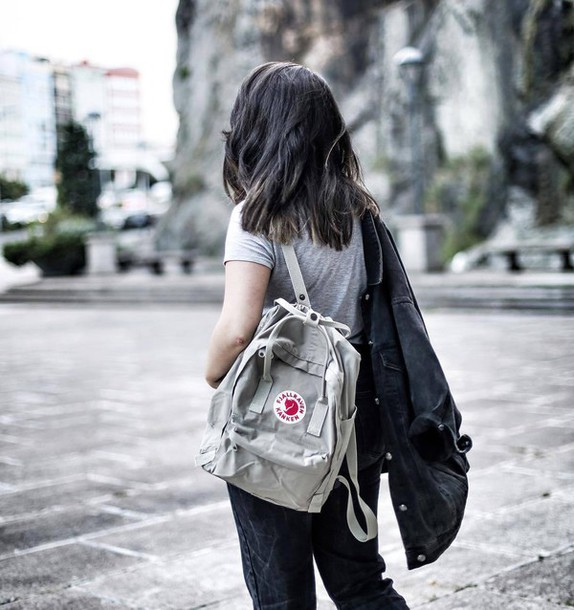 bag tumblr backpack t-shirt grey t-shirt jacket black jacket jeans black  jeans efbb0a1397