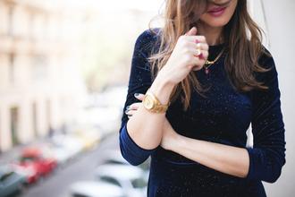 lady addict blogger jewels gold watch velvet navy dress