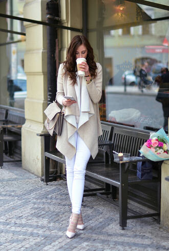 vogue haus blogger cardigan top jeans shoes bag jewels chloe faye bag nude cardigan white jeans nude bag high heels high heel pumps white pumps fall outfits coat white and beige outfit white and beige pants white pants beige coat chloe chloe bag pumps pointed toe pumps tumblr