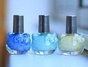 nail polish,hello kitty,hello,cats,water bottle,cute,pretty,green,pastel,light