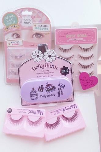 make-up lashes stacked and dressed in blacklist t-shirt lashes eyelashes make up acessory pink kawaii