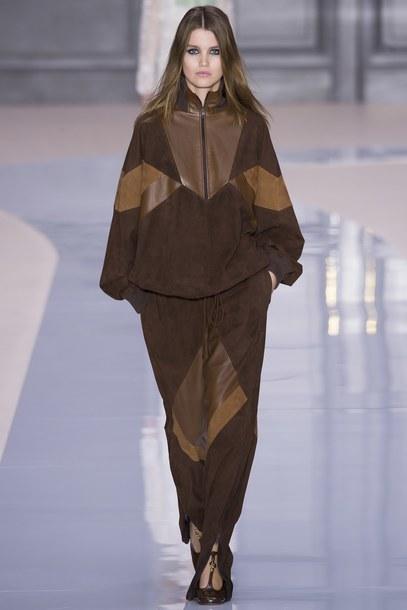 pants chloe sweater brown Paris Fashion Week 2017 fashion week 2017 runway model