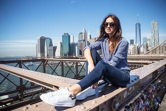 fashion vibe blogger jeans sunglasses jewels bag