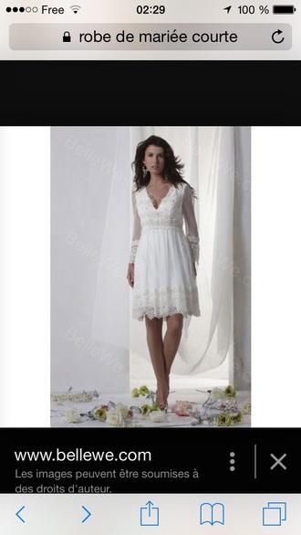 dress dentelle manches longue col v robe de marié blanche