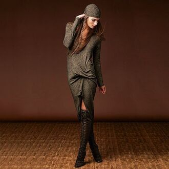 dress revolve revolveme robe sweater dress winter outfits grey short fitted dresses asymmetrical dress asymmetrical hi low dresses long sleeves long sleeve dress revolver earrings manche longues gris sexy dress fall outfits fall colors fall dress oufit inspo winter sweater winter dress hiver trendy chic
