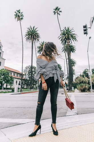 shirt tumblr checkered off the shoulder off the shoulder top puffed sleeves denim jeans black jeans ripped jeans black ripped jeans glove shoes shoes black shoes high heels heels black heels bag red bag chain bag