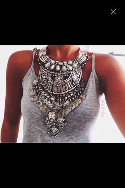 jewels necklace grey tank top big necklace