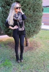 scarf,studded shoes,black jeans,leopard print