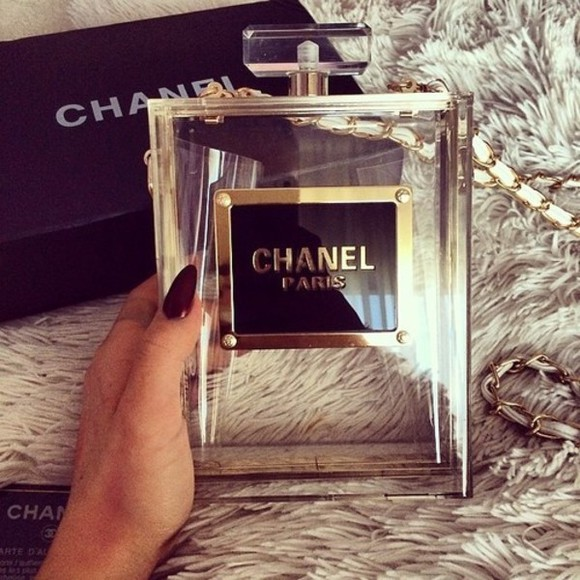 chanel bag black nails gold