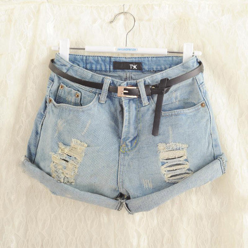 Light frayed denim shorts
