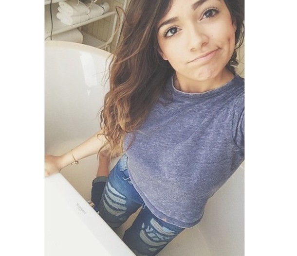 jeans bethany mota usa fashion celebrity style steal t-shirt ripped denim shirt clothes\