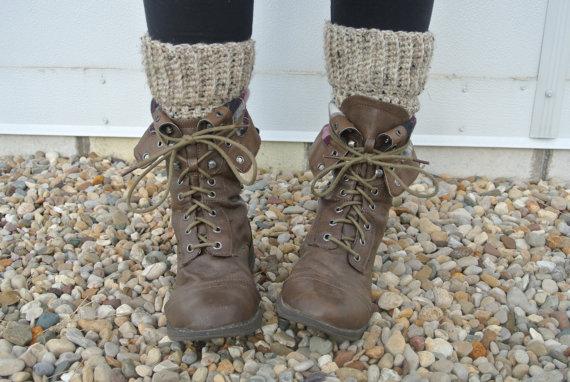 Crochet boot cuff leg warmers in oatmeal tweed par raydiantapparel