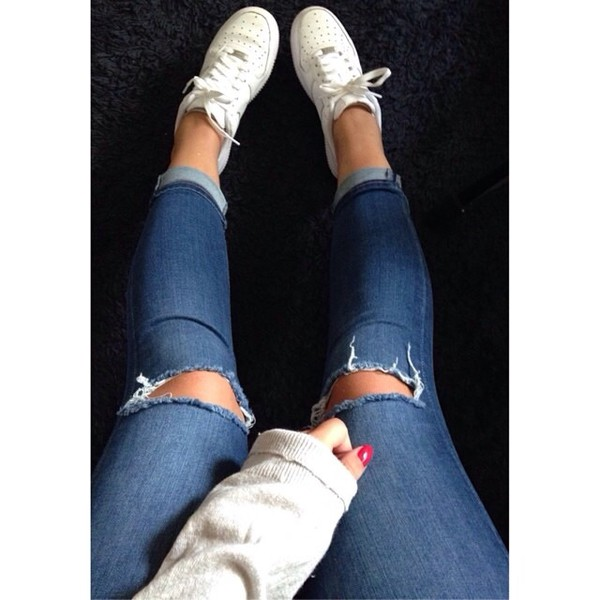 jeans shoes skinny jeans blue nike air force 1 white sneakers cropped jeans