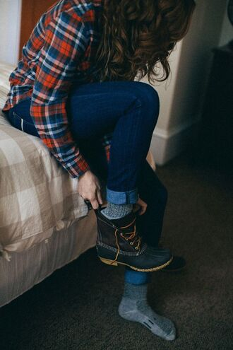 shoes cute shoes these black boots! socks duck boots boots snowboots flannel hipster flannel shirt fall outfits sunglasses black duck boots black combat boots black shoes black combat boots winter boots shirt combat