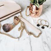 sunglasses,tumblr,gold sunglasses,mirrored sunglasses,aviator sunglasses,nude bag,bag,chain bag,bracelets,jewels,jewelry
