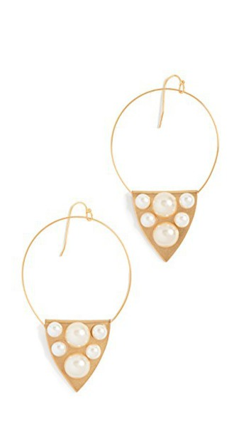 Sandy Hyun earrings pearl gold jewels