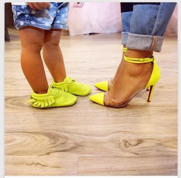 moccasins girl Jeans polka dots polka dot jeans fashion kids fashion clear heels Kids moccasins mommy & me mommy and daughter Mommy and daughter fashion Yellow