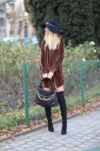 from brussels with love blogger dress shoes bag felt hat brown dress handbag thigh high boots