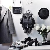 bag,leather,leather backpack,vintage,leather black,leather bag,backpack,unisex,accessories,strap bag,modern classy,minimalist,college