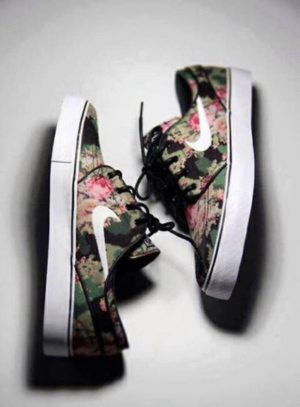 green shoes army green black white nike sneakers trainers flowers pink astik sneakers low low top sneakers print flower print flower design nike sneakers low sneakers roches, flower print, nikes, nike shoes with flowers